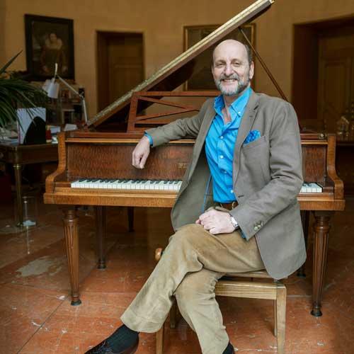 José M. Fernández Sastrón